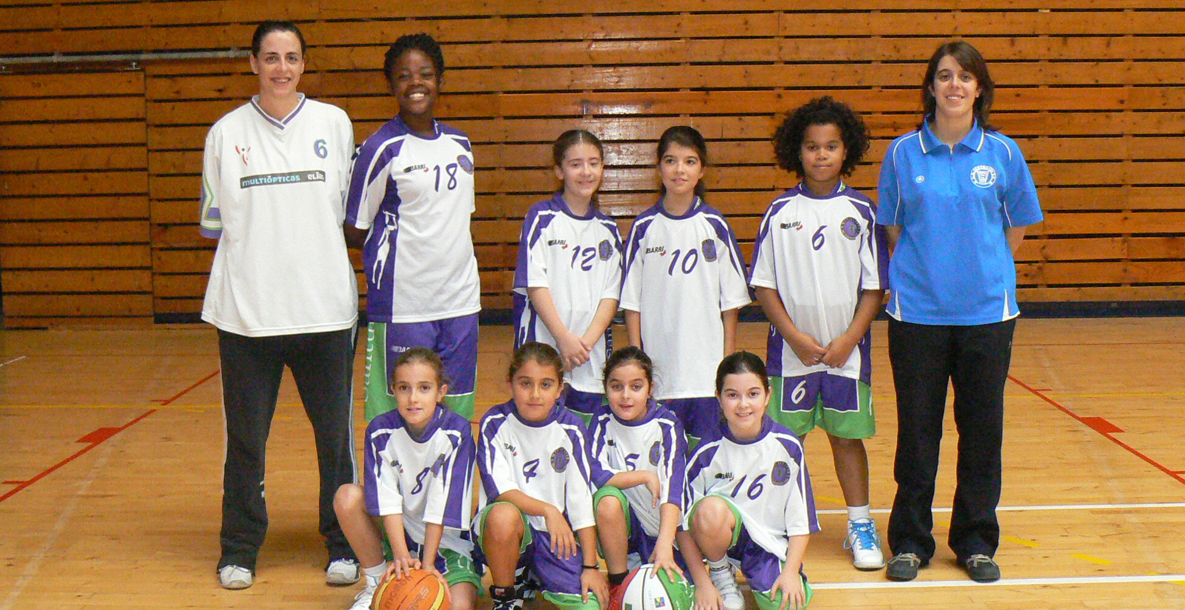 DEBUT MINI BASKET FEMENINO